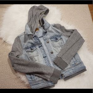 AEO Hooded Denim Jacket🌟